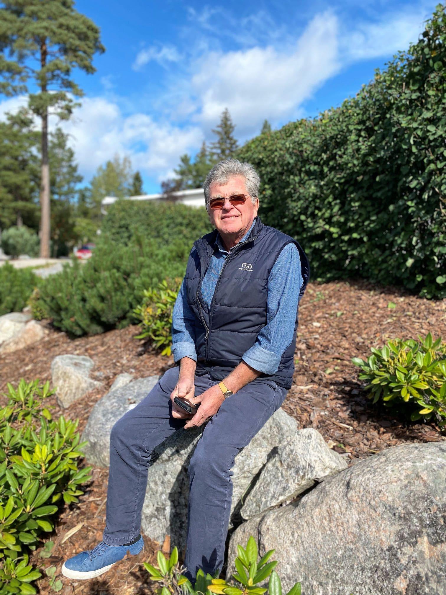 Vårt enda krav var att alla gräsmattor skulle bort till förmån för sten, säger Anders Eriksson